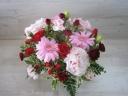 ピンクと赤いお花のアレンジメント♪