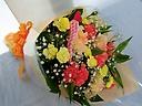 【母の日】ビタミンカラー♪カーネ・カスミ草の花束♪
