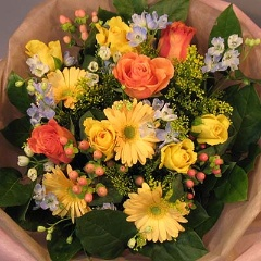 花束 ≪ 元気の出る色合い ≫