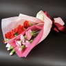 【母の日】赤とピンクの2種類花束