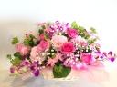 バラと星咲きカーネーションのアレンジメント