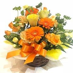 バラとガーベラのアレンジメント イエローオレンジ