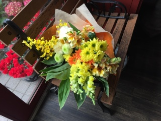 仏様に花束を・・・黄色オレンジ系