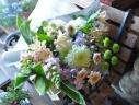 仏様に花束を・・やさしい色で・・