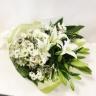 ホワイト・グリーンの御供え花束 ボリュームタイプ