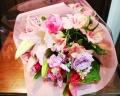 【花束】ユリとバラのかわいい花束