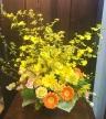【御祝・お誕生日・発表会】華やかな黄色アレンジ