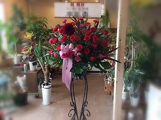 真っ赤な御祝スタンド花