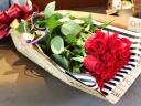 ダーズンローズの花束