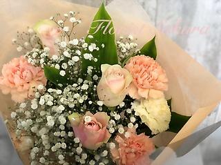 パステル 淡いカラーの花束