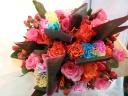 カラフル染めのカーネーションを使った花束