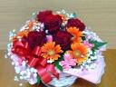 真っ赤なバラとガーベラのアレンジメント