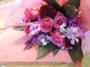 ピンクバラの季節の花束