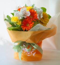 花瓶いらず♪自立しちゃうミニブーケ♪イエロオレンジ