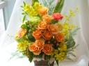 バラのボリュームアレンジ★黄色オレンジ