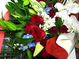 豪華な花束 志