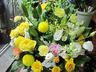 イエローアレンジ☆幸せの黄色い花