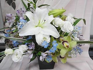 カサブランカの供養花