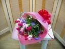 花言葉は「愛の告白」赤いチューリップの花束