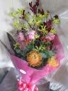 バラとピンクッションの花束
