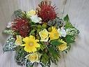 ピンクッションと季節の花の元気アレンジ4000