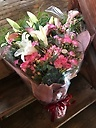 百合と季節のスタンダード花束