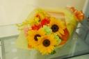 【母の日】ヒマワリのかわいい花束