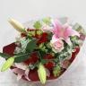 ピンク百合と赤いガーベラの花束