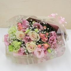 カスミソウとピンクのお花