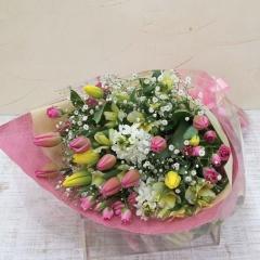 チューリップいっぱいの花束