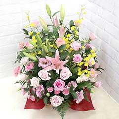 ピンクユリとバラのアレンジメント