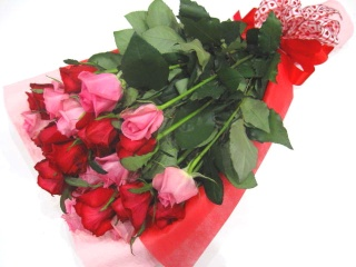 【厳選】赤いバラとピンクバラの花束