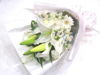 【供花】白系主体の洋花のみの花束