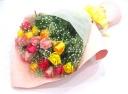 【大好きな方へのギフト】バラMIXとかすみ草の花束
