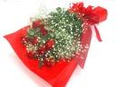 【厳選】赤いバラとかすみ草の花束