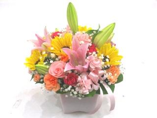 【父の日】ピンクユリとヒマワリの優しいアレンジ