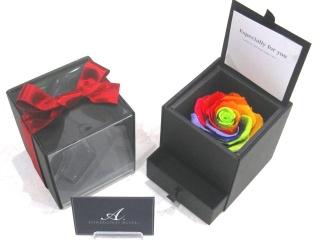 ダイアモンドローズボックス【幸運を呼ぶ7色の薔薇】