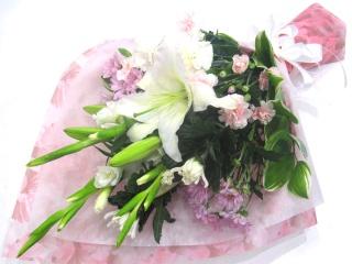 【供花】和花&洋花ミックス白系主体の淡い色の花束