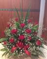 豪華、赤バラとかすみ草のアレンジメント