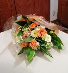 優しい黄色オレンジ系の花束