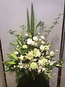 白系洋花お供えアレンジメント