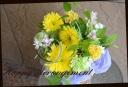イエロー系 季節の花を入れて アレンジメント 14