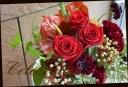 赤バラを使って シックなアレンジメント 40