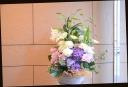 百合と季節の花のアレンジメント 231