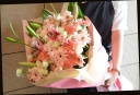 ガーベラと季節の花の花束 67