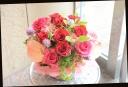 赤バラと季節の花のアレンジメント 376