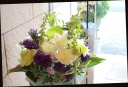 お悔やみの花に 季節の花で アレンジメント 440