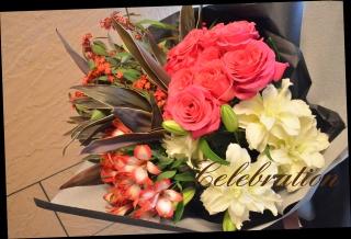 バラ・百合を使って 豪華な季節の花束
