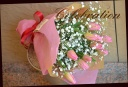 チューリップとカスミ草の花束 101
