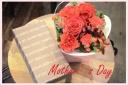 マネケンワッフルと赤バラのアレンジセット
